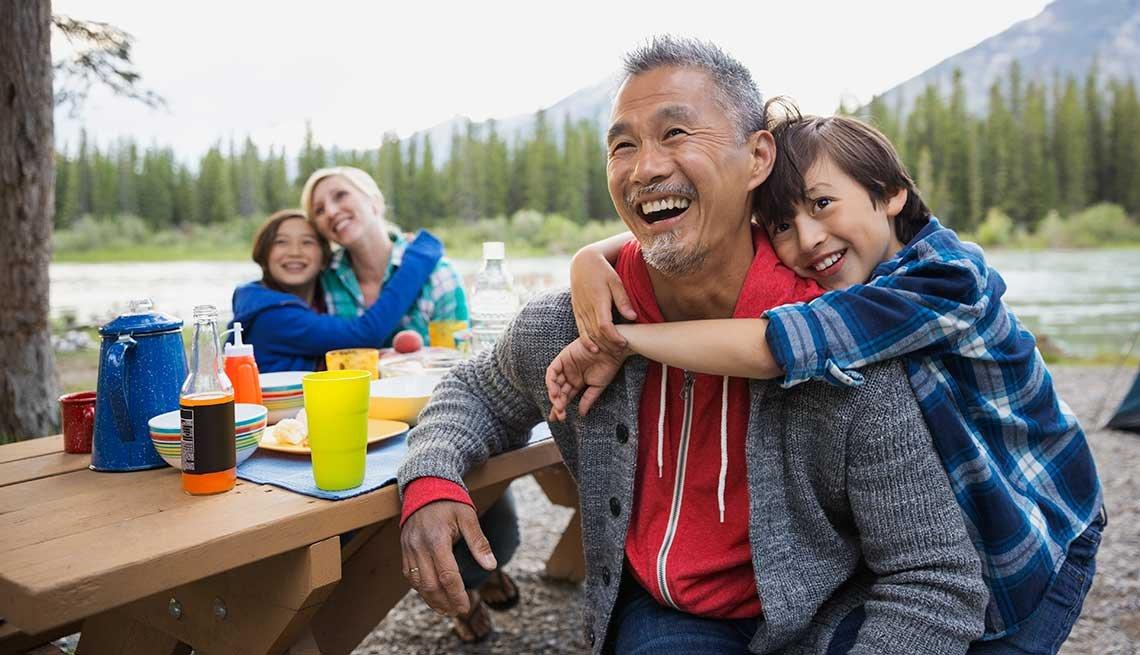 10 Throwback Ways to Enjoy Summer Fun - camping