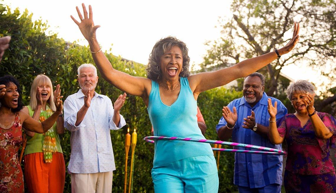 10 Throwback Ways to Enjoy Summer Fun -  hula hoop