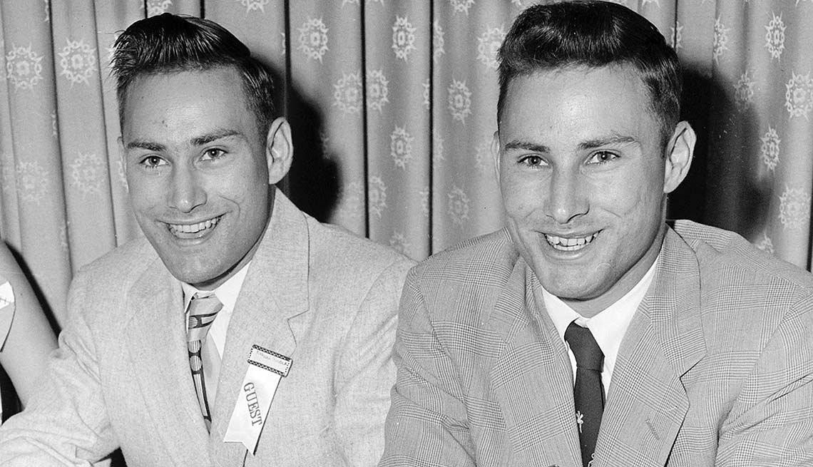 Ronald Herrick y su hermano gemelo Richard Herrick - El cirujano estadounidense Joseph E. Murray realiza el primer trasplante de riñón