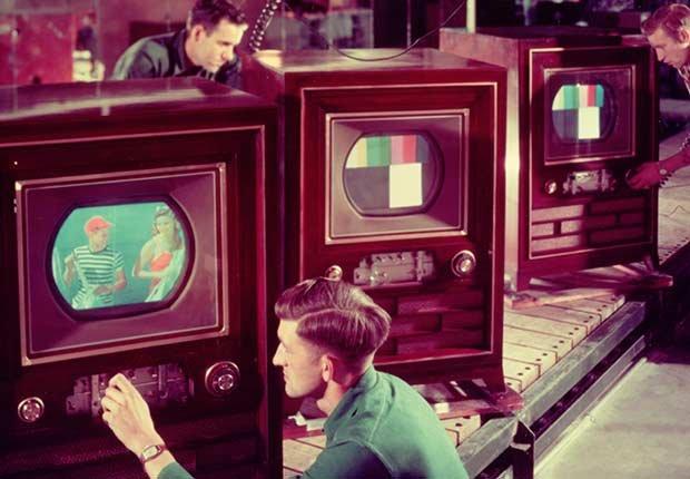 Aparece la televisión a color en EE.UU.