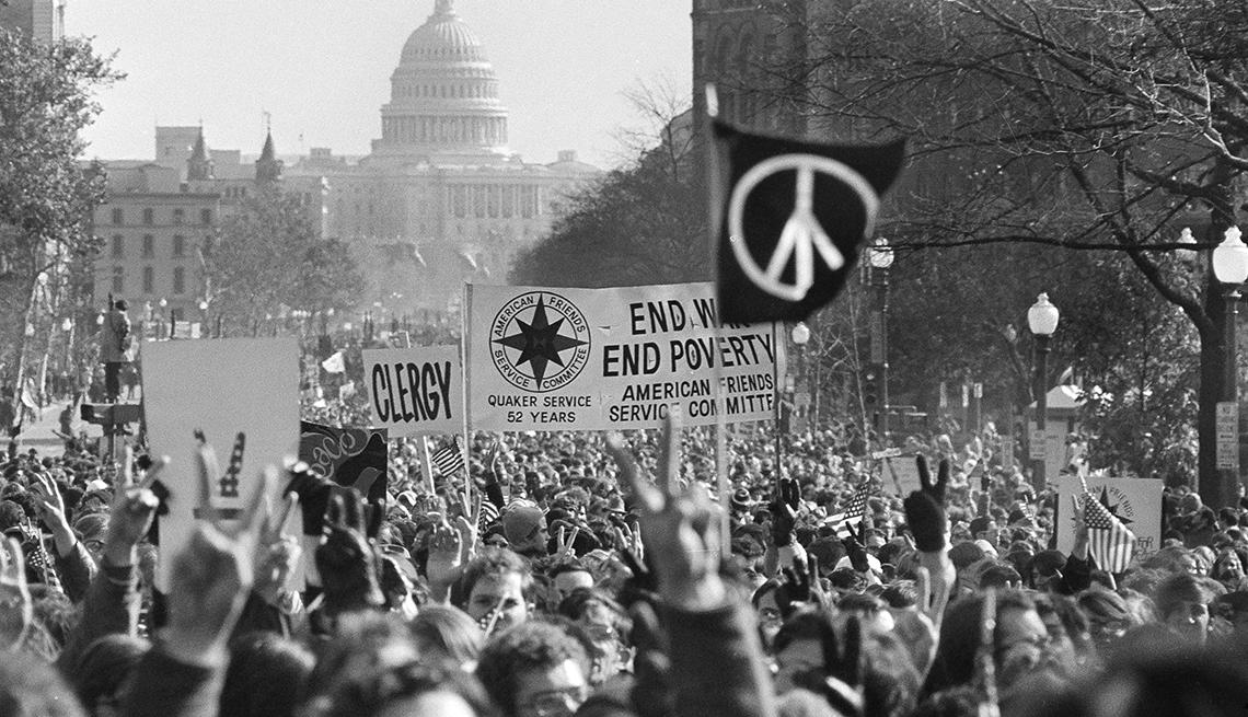 Marcha en contra de la guerra de Vietnam conocida como Moratorium Day en Washington, D.C.