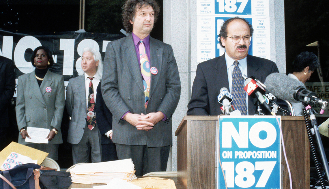 item 14 of Gallery image - Oposición a Proposition 187