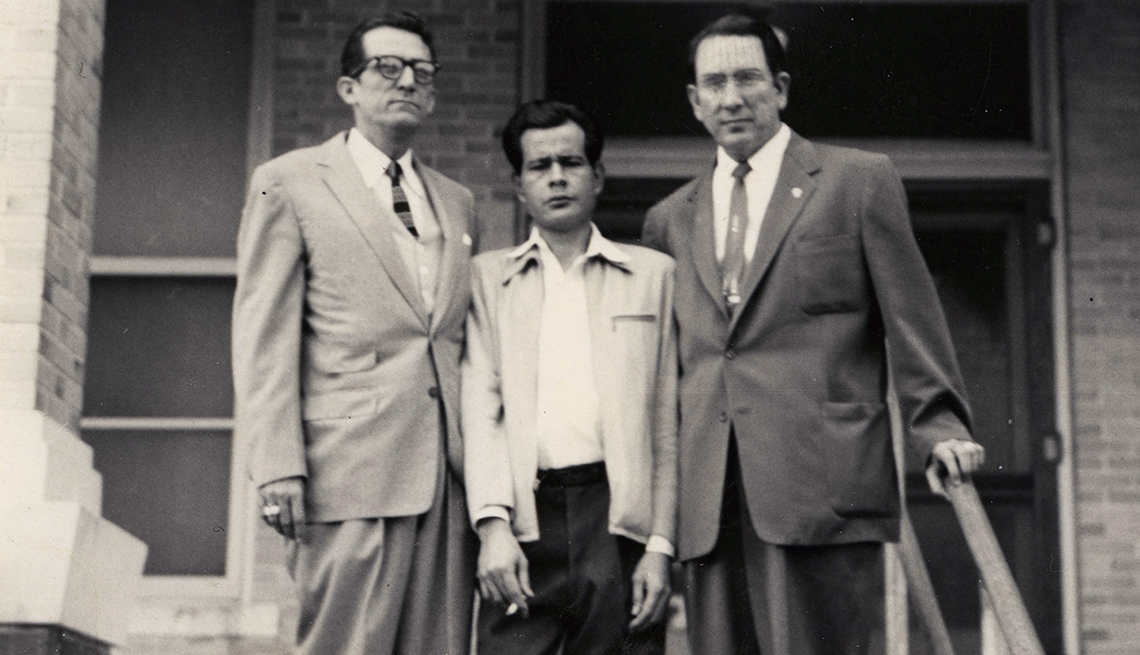 item 4 of Gallery image - Fiscal Gustavo García, Pete Hernández, Fiscal Johnny Herrera, Derechos Civiles chicanos