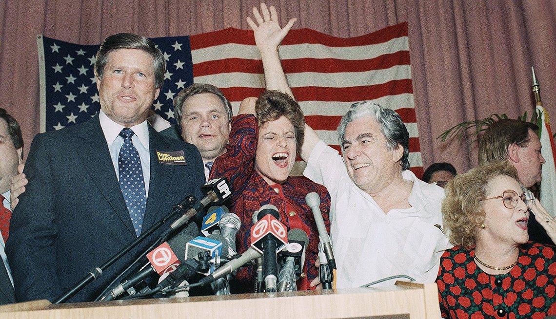 Ileana Ros-Lehtinen gana un escaño en el distrito congresional