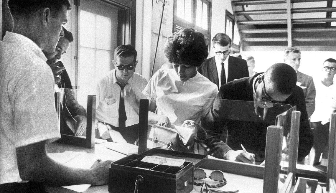 Jóvenes negros ingresan a la universidad - 1963