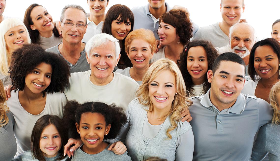 Grupo de personas de varias generaciones