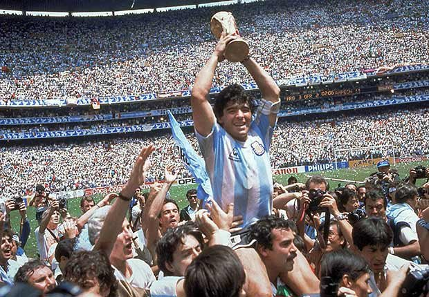 Argentina, con Diego Maradona, ganan la Copa Mundial en 1986