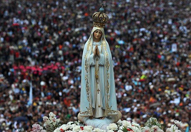Celebración de la aparición de la Virgen en Fátima