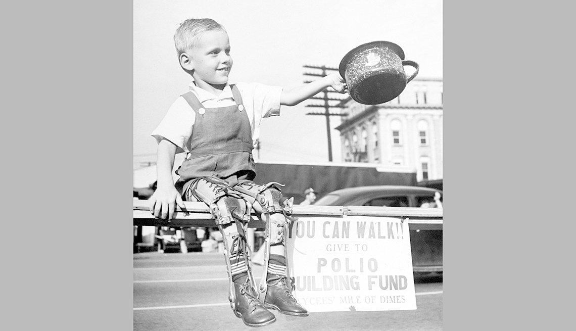 Niño víctima de polio