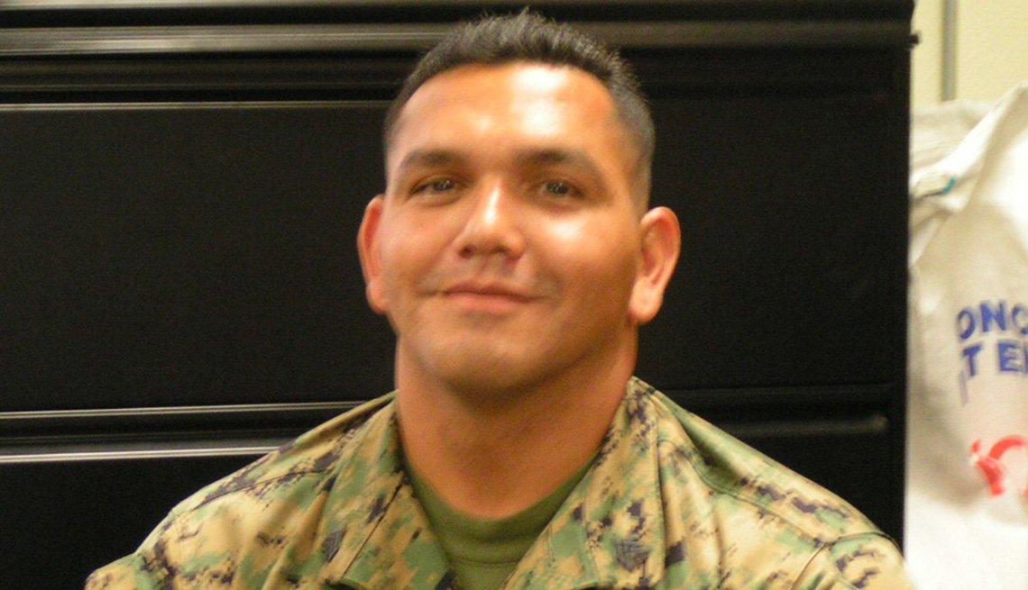 Luis Daniel Almaguer, marino de los Estados Unidos