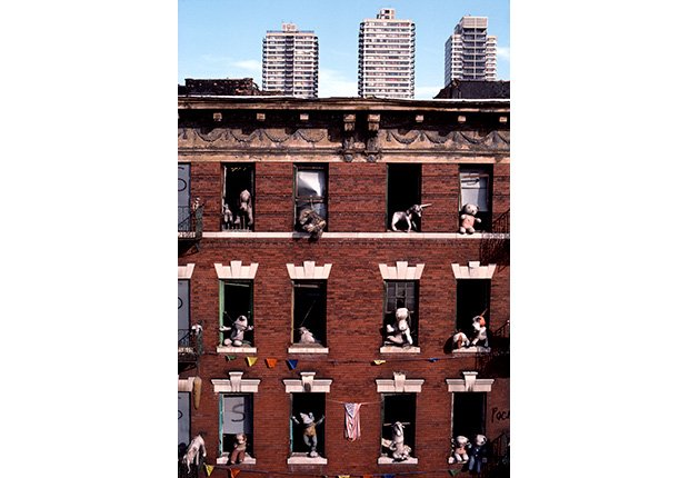 Edificio abandonado, 1987