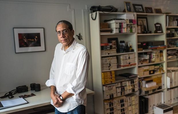 Fotógrafo Joseph Rodríguez en su hogar en Brooklyn, New York