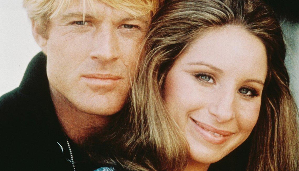 Robert Redford y Barbara Steisand estrellas de la película Tal como éramos