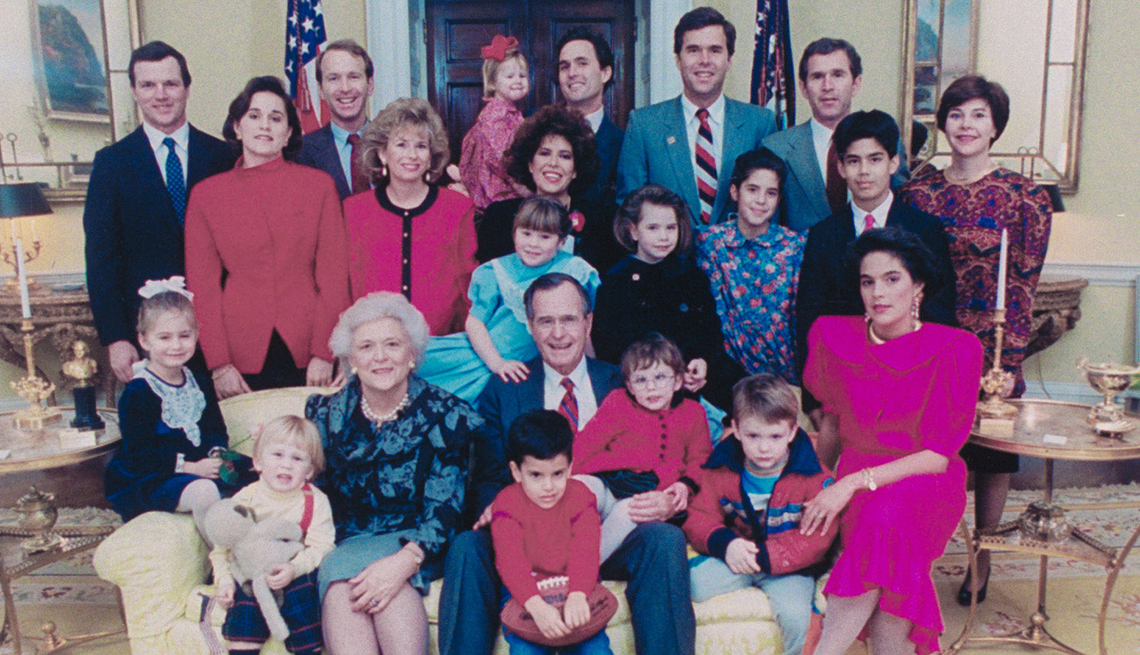Photos of the Bush family in 1989.