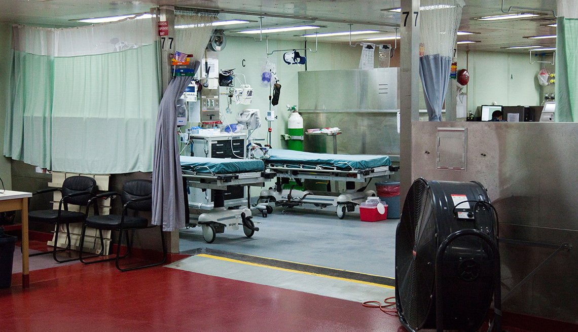 item 7 of Gallery image - An empty hospital room