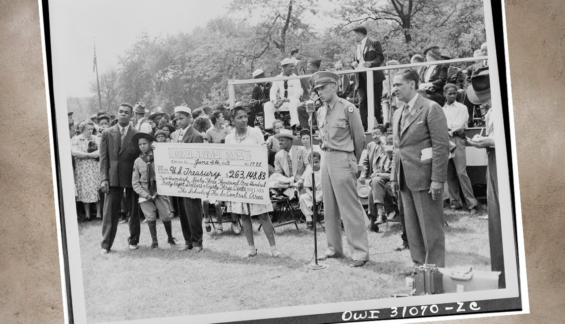 item 9, Gallery image. Chicago schoolchildren present the US military with a check from their fundraising efforts