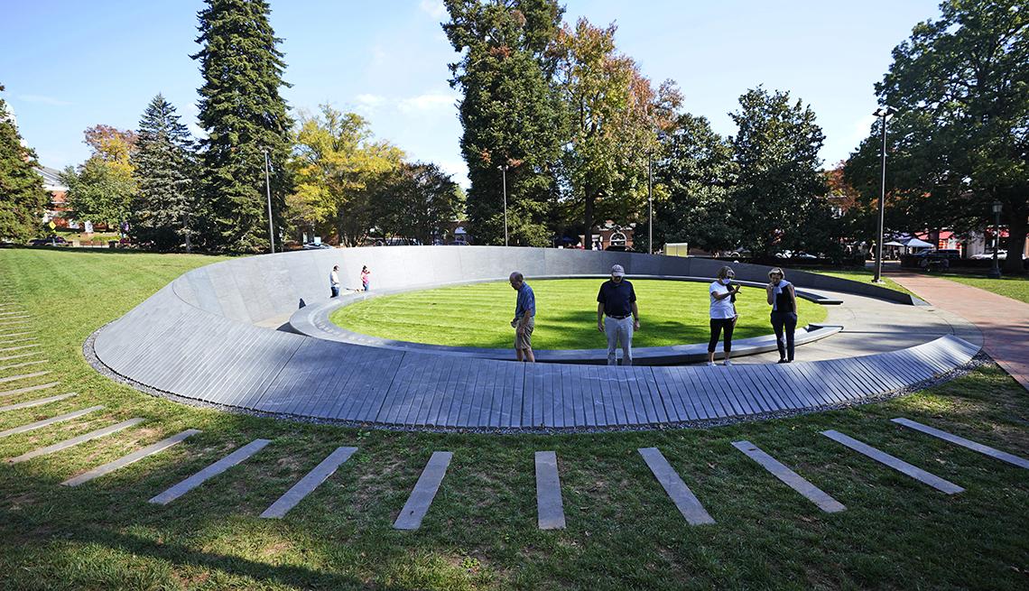 memorial of enslaved laborers at the university of virginia