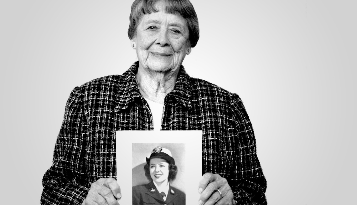 julia parsons a world war two codebreaker shows us a photo of herself as a young woman in uniform