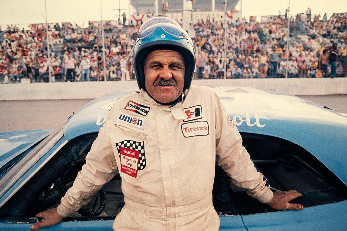 a photo of nascar driver wendell oliver scott