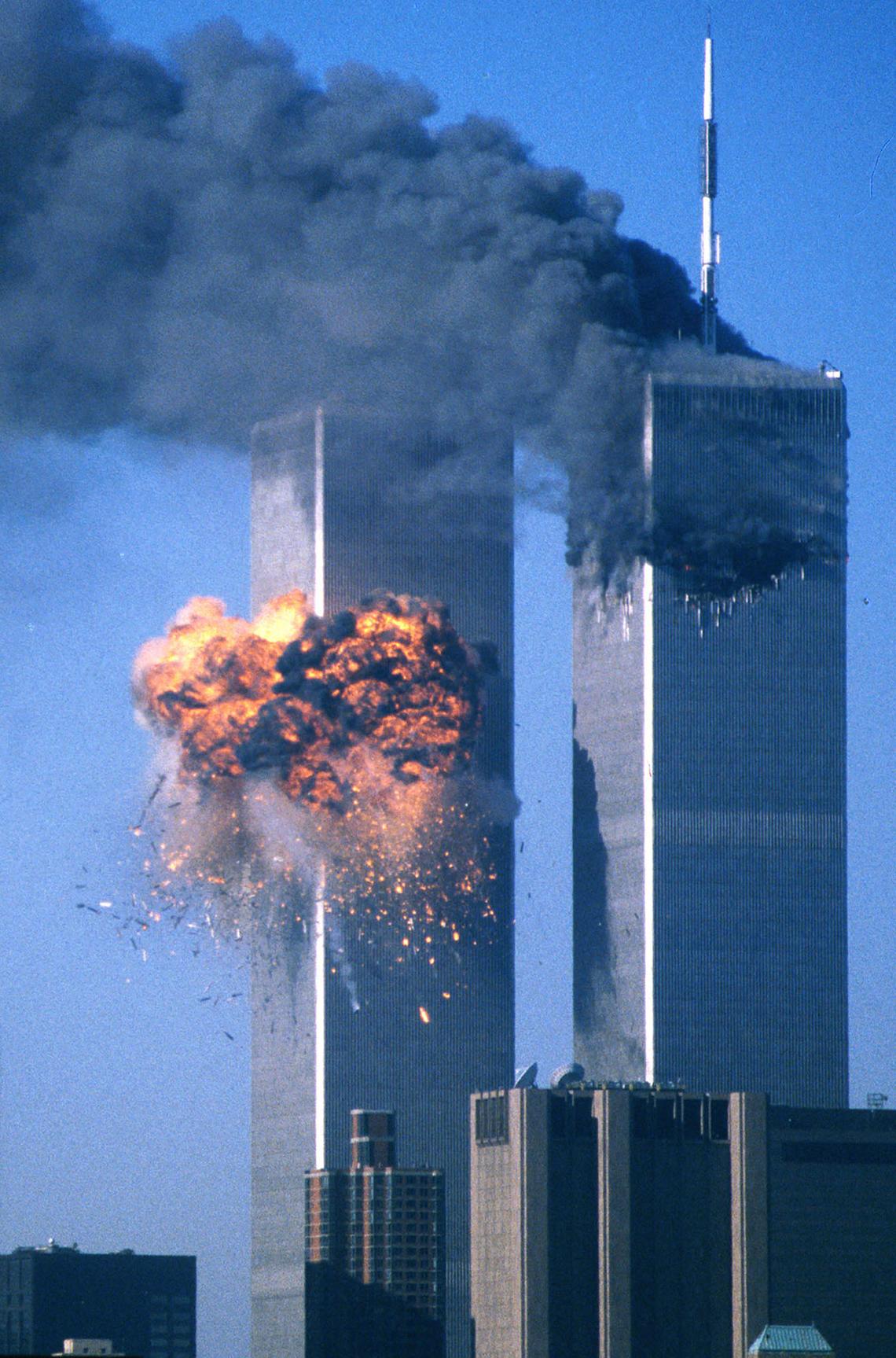 Explosión cuando el segundo avión golpeó el World Trade Center el 11 de septiembre de 2001