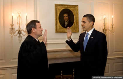 chief justice roberts obama oath white house
