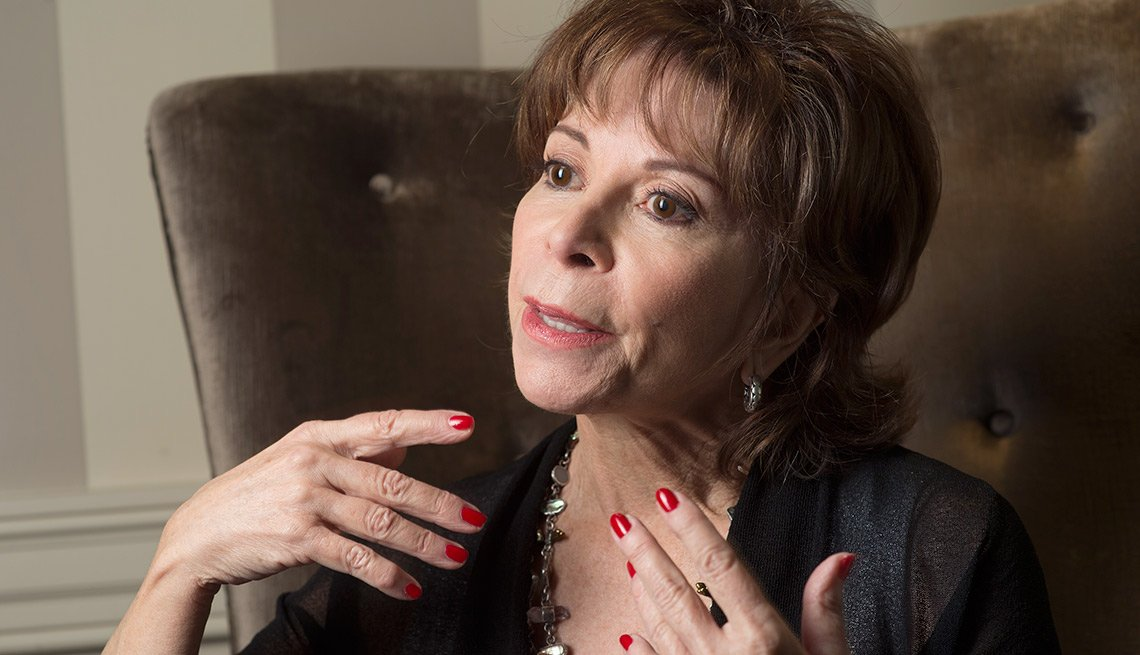 item 9 of Gallery image - Isabel Allende - Abuelas famosas