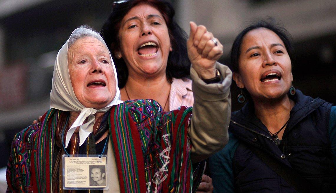 Madres de la Plaza de Mayo - Abuelas famosas