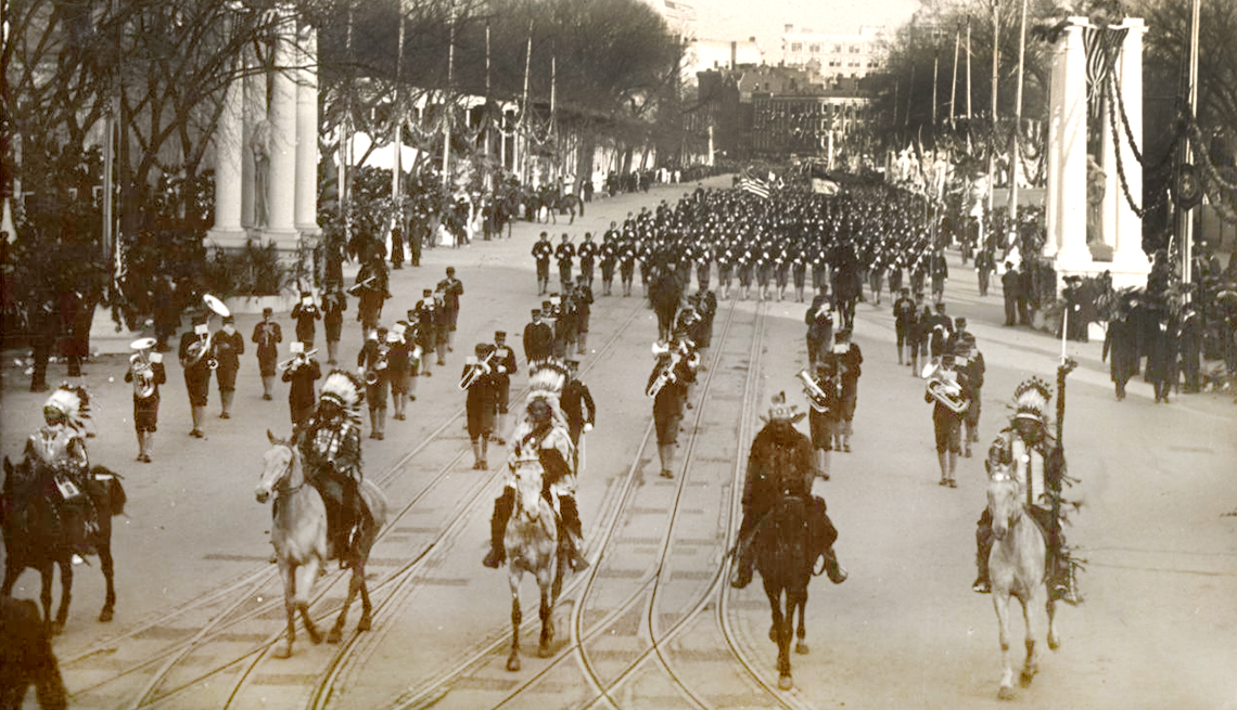 memorable inauguration moments - Among memorable inauguration parade acts were Apache warrior Geronimo in 1905