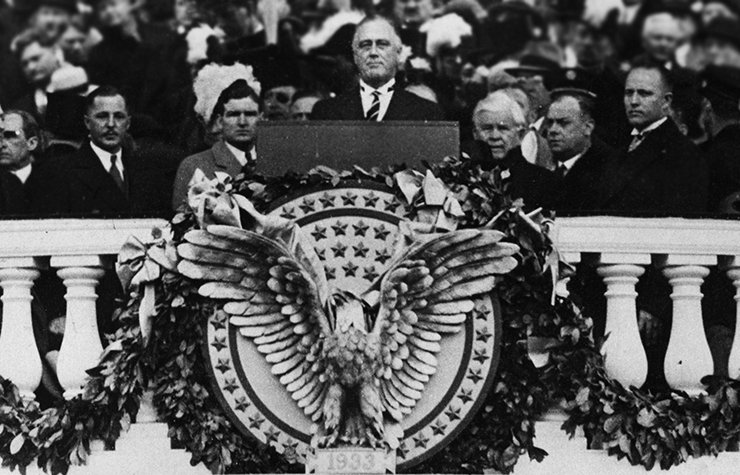 Franklin D. Roosevelt durante su juramentación como presidente