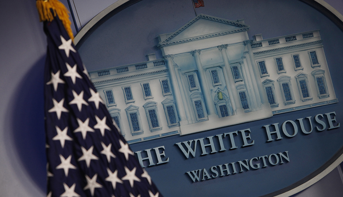White House seal with the American flag