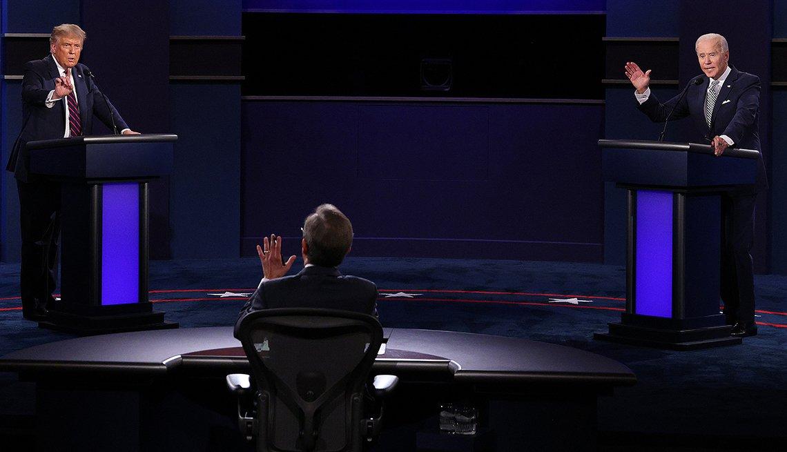Donald Trump y Joe Biden en un debate de la campaña a la presidencia del 2020