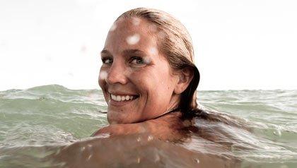 Mujer nanado en el mar - Existe el cielo?