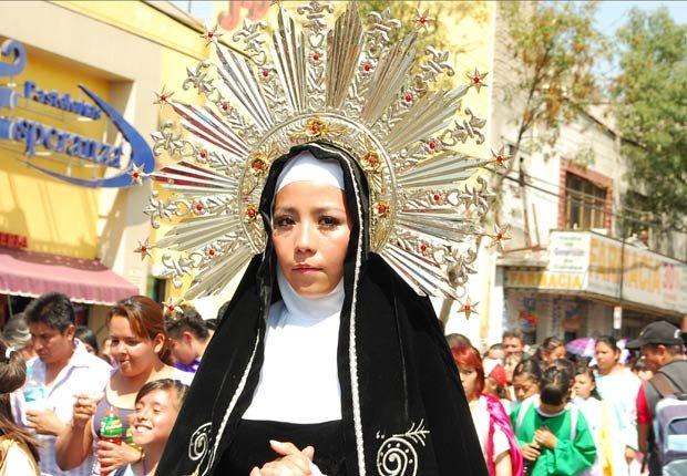 Recreación de la Pasión de Jesucristo como parte de las celebraciones del Viernes Santo en la Ciudad de México, Pascua y Semana Santa