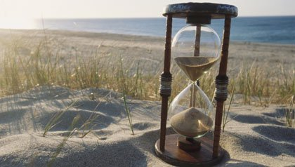 hourglass running out of sand-top 5 regrets of dying people