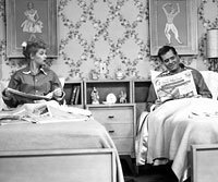I LOVE LUCY, Lucille Ball, Desi Arnaz, 1951-1957 in separate beds that can bring couples together