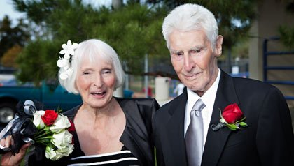 The world's oldest newlyweds Rose Pollard and Forrest Lunsway.