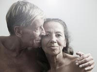 couple-seniors enjoy sex more according to recent survey