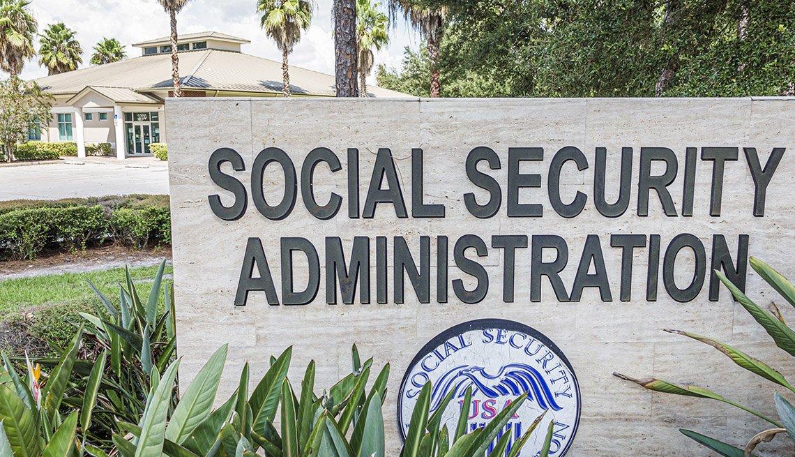 Letrero de una oficina del Seguro Social en  Sebring, Florida.