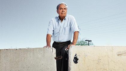 Roberto Reveles, Perfil de el presidente de la junta de la Unión Americana de Libertades Civiles de Arizona.