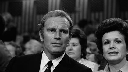 Charlton Heston y su esposa, Lydia Clarke, asisten a la Convención Nacional Republicana 1972 en Miami.