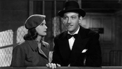 Greta Garbo y Melvyn Douglas en la película Ninotchka 1939, dirigida por Ernst Lubitsch.