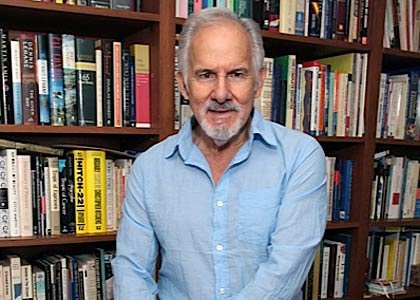 Carlos Verdecia: Experto en Política