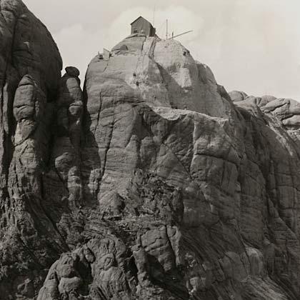 Construction starts on Mount Rushmore, 1927