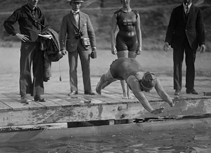 Ethelda Bleibtrey first woman to win gold medal 1920 Olympic Games