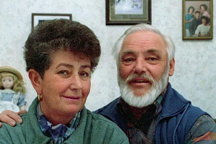 "Helmut and Erika Simon discover ""Ötzi the Iceman,"" 1991"