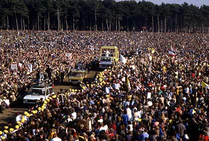 crowd greets Pope John Paul II in Ireland, 1979
