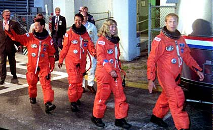 Aastronauts, Space Shuttle Endeavor 1992