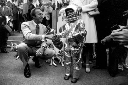 Alan Shepard with young astronaut.