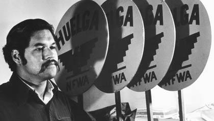AARP VIVA Radio Entrevista con Luis Valdez Fundador del Teatro Campesino