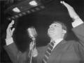Fidel Castro en una recaudación de fondos para la Revolución cubana en Nueva York, 1955.